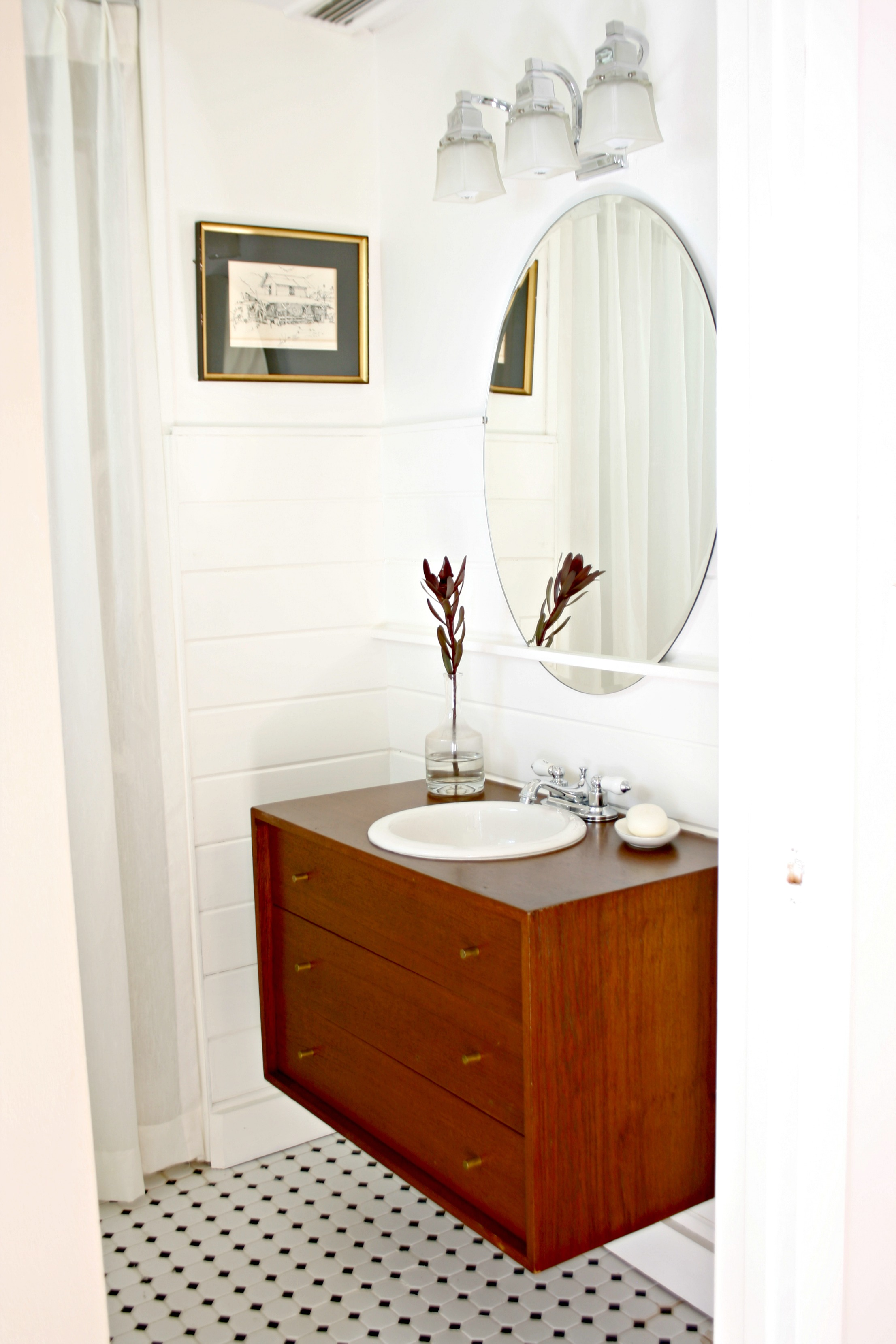 guest bathroom makeover for $200